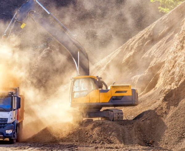 Silica dust exposure efforts needed for more industries